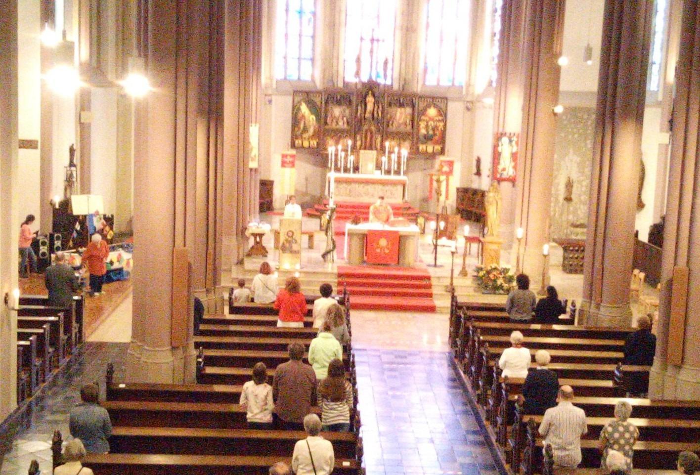 Pfingsten Kirche